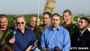 Israeli Defence Minister Ehud Barak and US ambassador Dan Shapiro visiting the Iron Dome battery nearTel Aviv (18 Nov 2012)