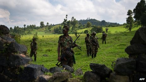 M23 rebels outside Goma in eastern DR Congo (19 November 2012)