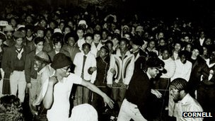 Hip-hop crowd