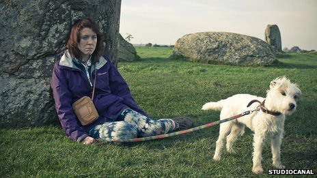 Tina (Alice Lowe) and Banjo the dog in Sightseers