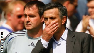 Steve Clarke (left) with Jose Mourinho at Chelsea