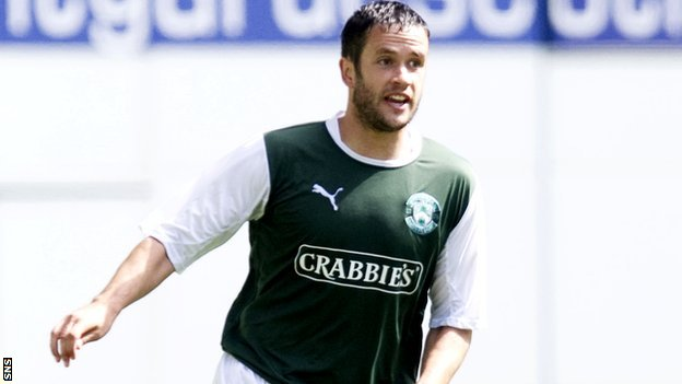 Hibernian defender Tim Clancy