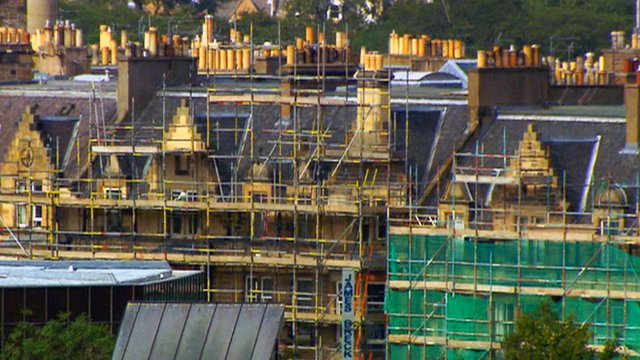 Scaffolding surrounds properties in Edinburgh