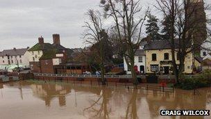 Upton upon Severn flood defences