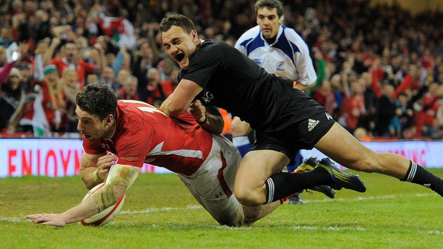 Wales 10-33 New Zealand