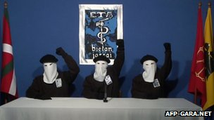 Eta militants making the statement
