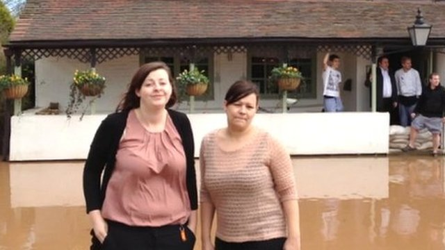 Faye McCloud and Ali Miles, the manager and staff member of the Fox Inn at Bransford near Worcester