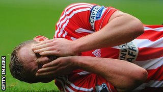 Black Cats' captain Cattermole was injured putting in a cross during the 4-2 loss to West Brom