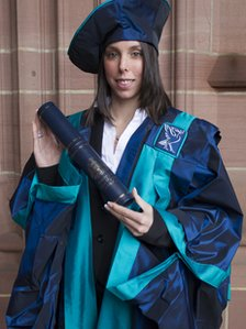 Beth Tweddle receiving her Honorary Fellowship from LJMU