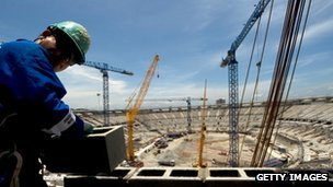 Building work continues on Rio&#039;s showcase Maracana stadium