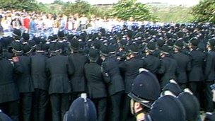 Scene from Orgreave, 18 June 1984