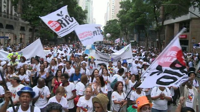 Protesters in Rio&#039;s historic centre