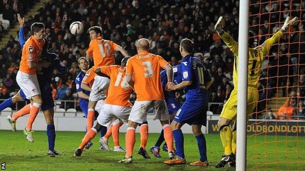 Curtis Davies heads in for Birmingham