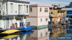 Floating houses, Canada