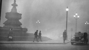 Smog in London on 5 December 1952