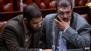 Constituent assembly members discuss draft constitution, Cairo (29 Nov)