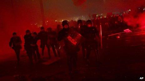Riot police in Ljubljana (30 Nov)