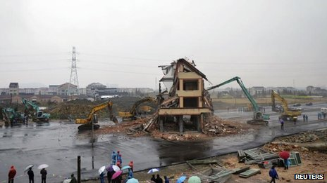 Home demolished in Wenling in China&#039;s eastern Zhejiang province, 1 Dec 2012