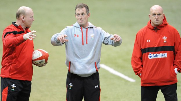 Rob Howley (centre) with Neil Jenkins and Shaun Edwards