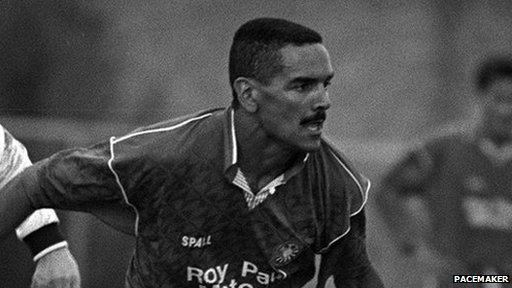 Joey Cunningham playing for Portadown in 1990