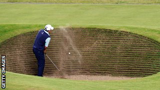 Former Open champion Ben Curtis struggles with the infamous Road Bunker
