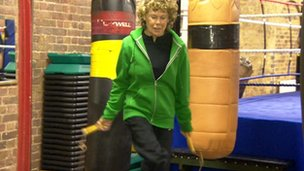 Kate Hoey skipping at Fitzroy Lodge boxing club