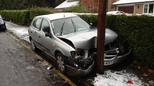 A car hit a lamppost in Chelsfield, Kent
