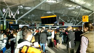 Queues in Stansted terminal