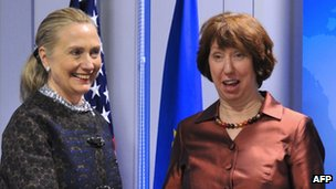 EU foreign policy chief Catherine Ashton (right) and US Secretary of State Hillary Clinto, 5 December  2012