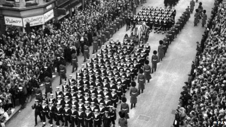 Churchill's state funeral on the way to St Paul's Cathedral
