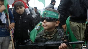 Child dressed as Hamas fighter. 8 Dec 2012