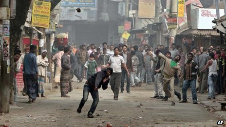 Protest in the Kachpur area, on the outskirts of Dhaka, Bangladesh, 9 Dec