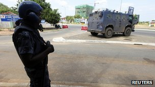 Police outside electoral commission in Accra. 9 Dec 2012