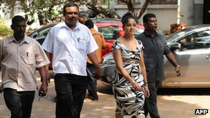 Previous editor of the Sunday Leader, Frederica Jansz walking to court in Colombo in October