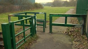 Pathway near to Wallbrook Primary school