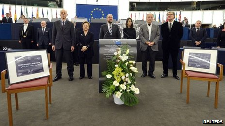 Two empty chairs are put out by the European Parliament to symbolise Nasrin Sotoudeh and Jafar Panahi (12 December 2012)