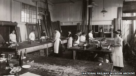 French polishers at Doncaster works, South Yorkshire, c 1916