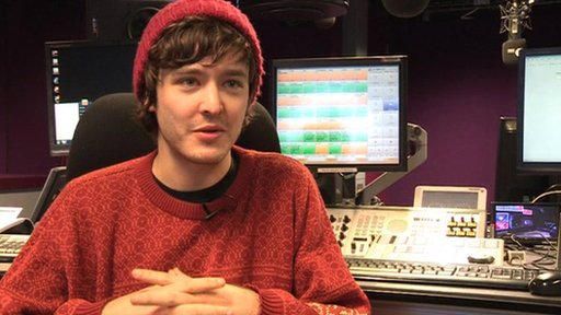 Alexander Vlahos plays Mordred