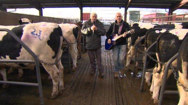 Singing farmers