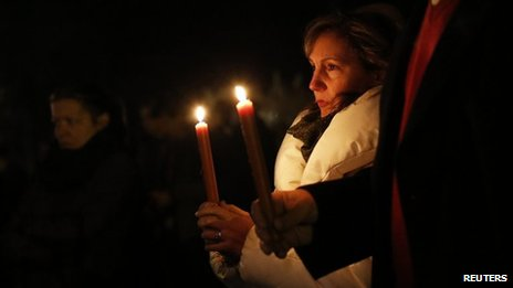 Newtown residents at candlelit vigil 15/12/2012