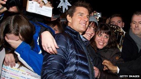 Tom Cruise with fans in Madrid