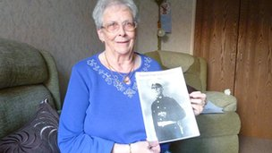 Eileen Smith with a picture of Cpl Laver