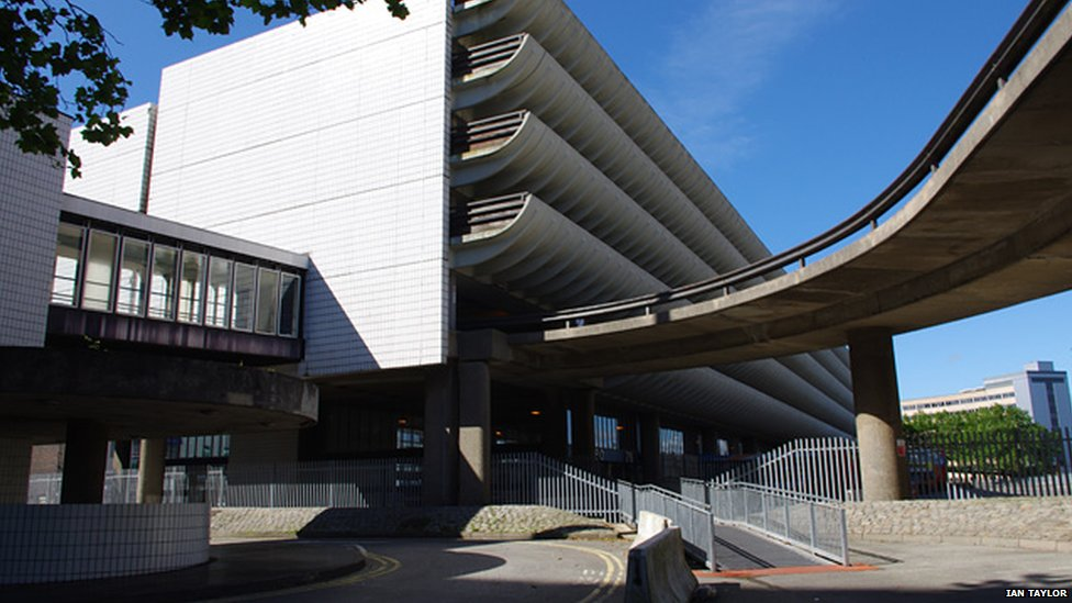 preston bus station Thursday, september 29, 2016 work starts on preston bus station redevelopment the first stage of redevelopment work has started at preston bus station, with repairs to the concrete and improvements on the parking levels.