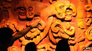 Students learn about the Maya at the Museum of National Identity in Tegucigalpa on 14 December 2012.