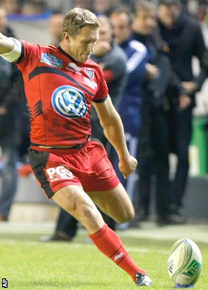 Jonny Wilkinson in action for Toulon in their big win over Sale at the weekend