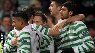 Kris Commons and Celtic team-mates celebrate winner against Spartak Moscow