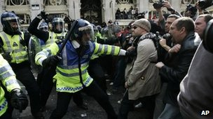 Met Police during G20 protests in 2009