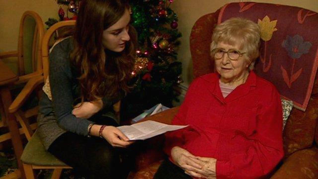 Jessica Fenlon reads to Tess Quin