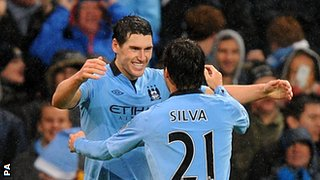Gareth Barry and David Silva (21)