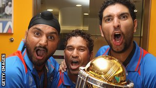 Harbhajan Singh, Sachin Tendulkar and Yuvraj Singh with the World Cup
